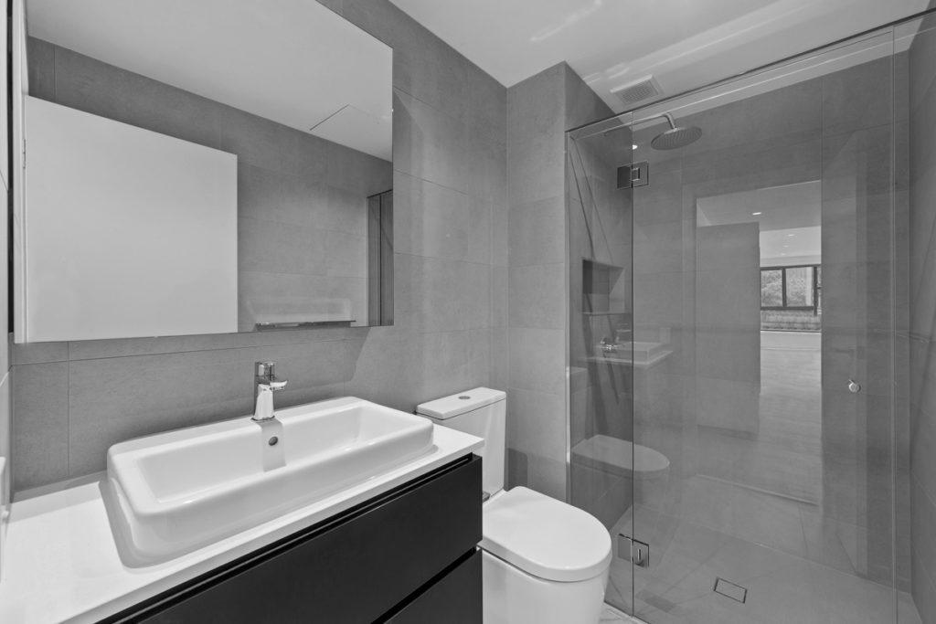 Alma-Road,-St-Kilda-East-Apartments-Bathroom-C&K Architecture